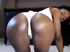 Phat And Her Pussy Play