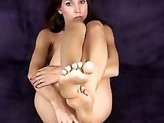 Brunette With Pretty Feet Masturbate Herself With A Sextoy