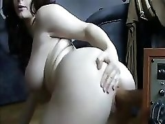Curvy Webcam Amateur And A Huge Dildo