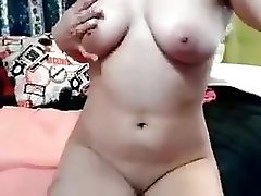 Cutie Dildoing And Fisting On Cam