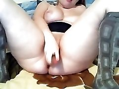 Chubby Blond Use Cucumber  To Fuck Her Pussy